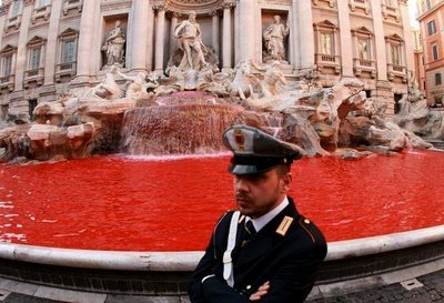 Blood in Trevi fountain 2007